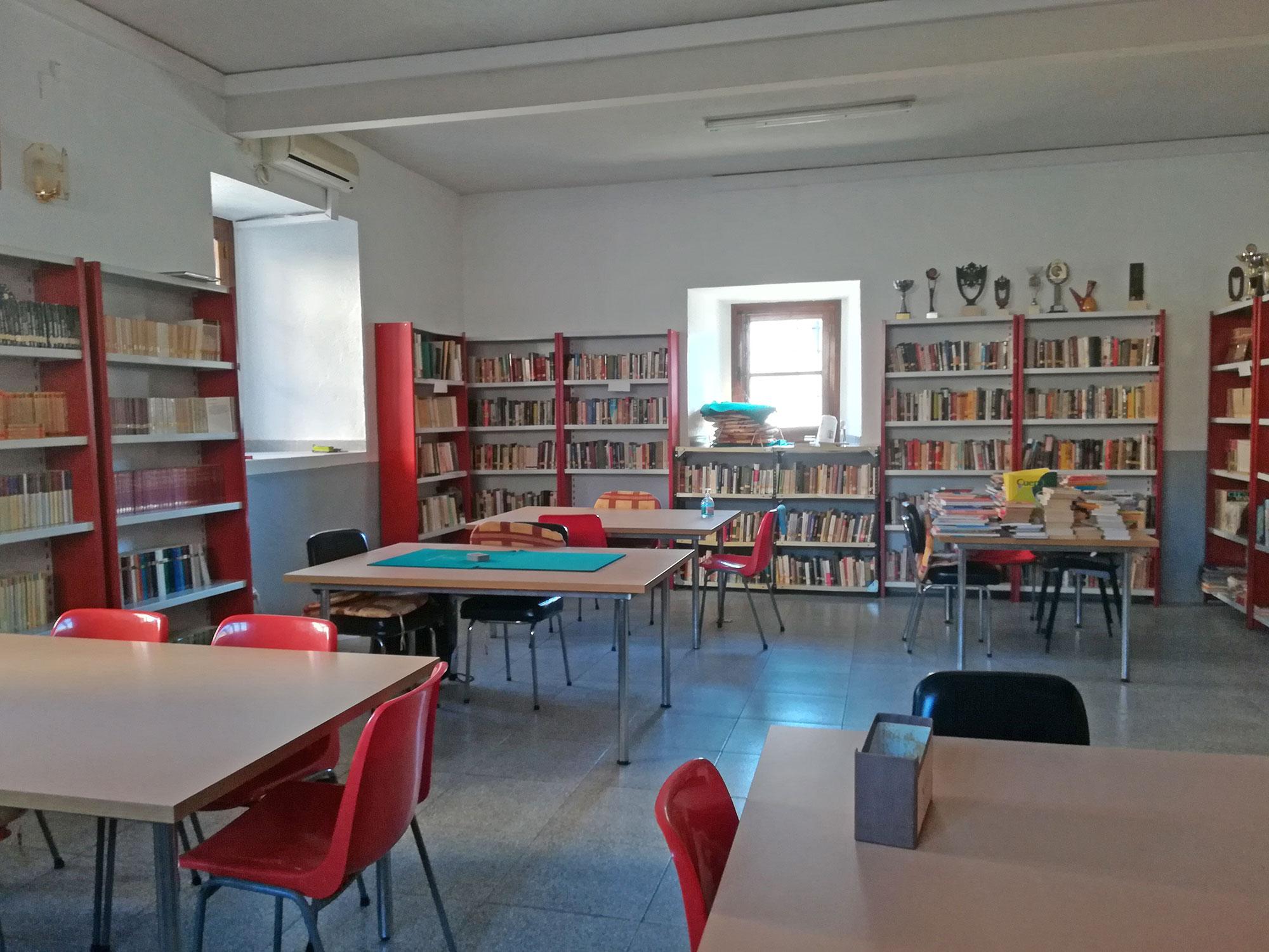Área de Bienestar Social - Salón de Juegos - Ayuntamiento de Paredes de Escalona