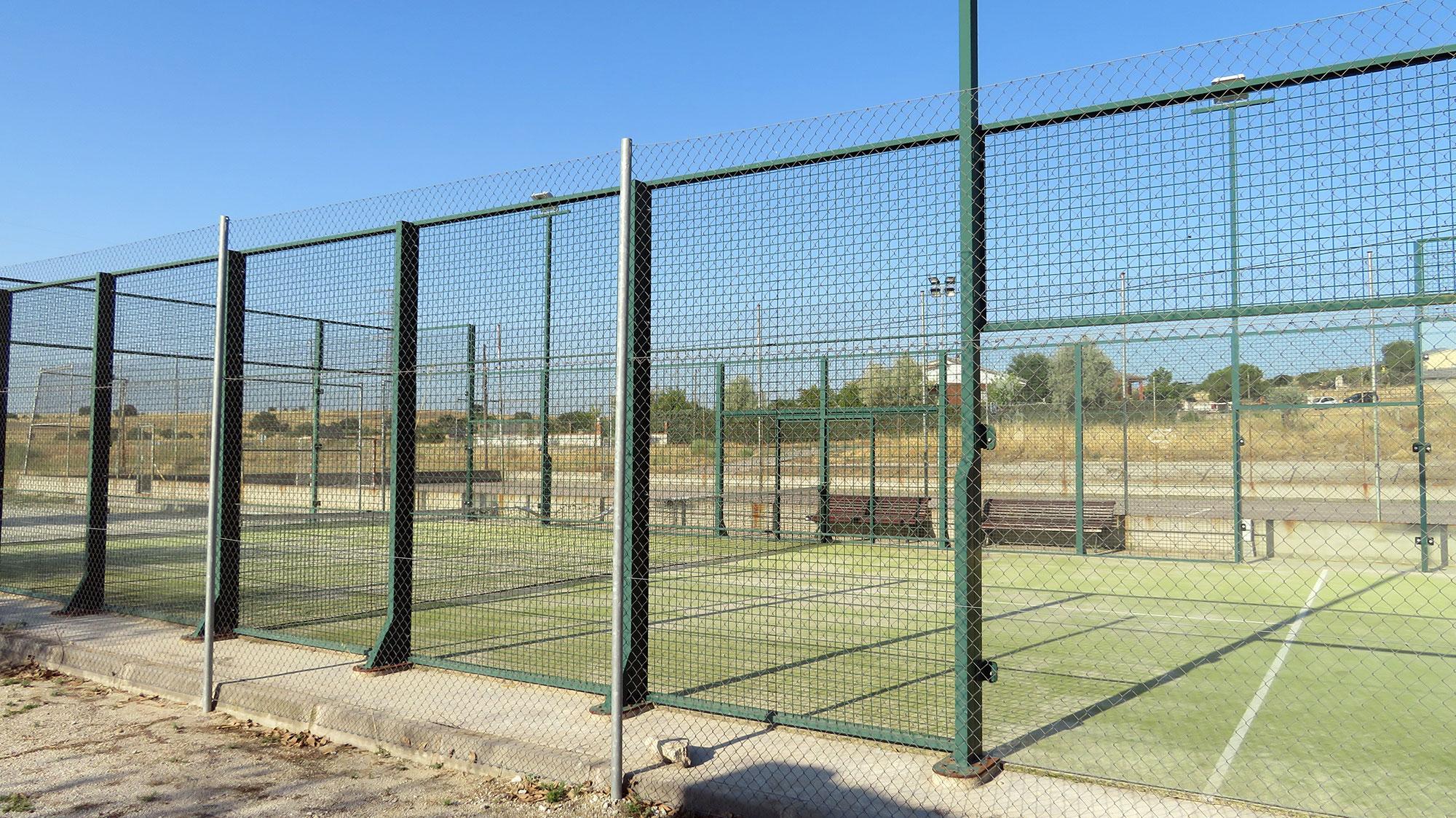 Área de Deporte - Pista de pádel -  Ayuntamiento de Paredes de Escalona